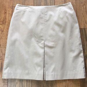 BCBG Pinstriped Pencil Skirt 👡
